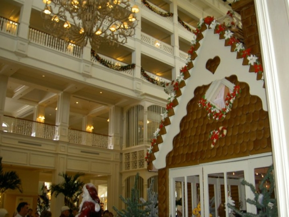 Grand Flo Gingerbread House